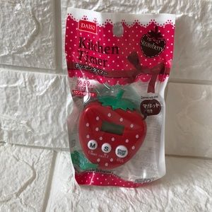 Other - Kitchen timer strawberry shape